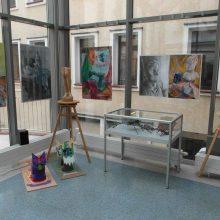 """""""Różnorodności"""" – to nowa wystawa prac naszych uczniów w Książnicy Karkonoskiej"""