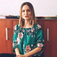 Pani Magdalena Wesołowska zaprasza ósmoklasistów do naszej Szkoły
